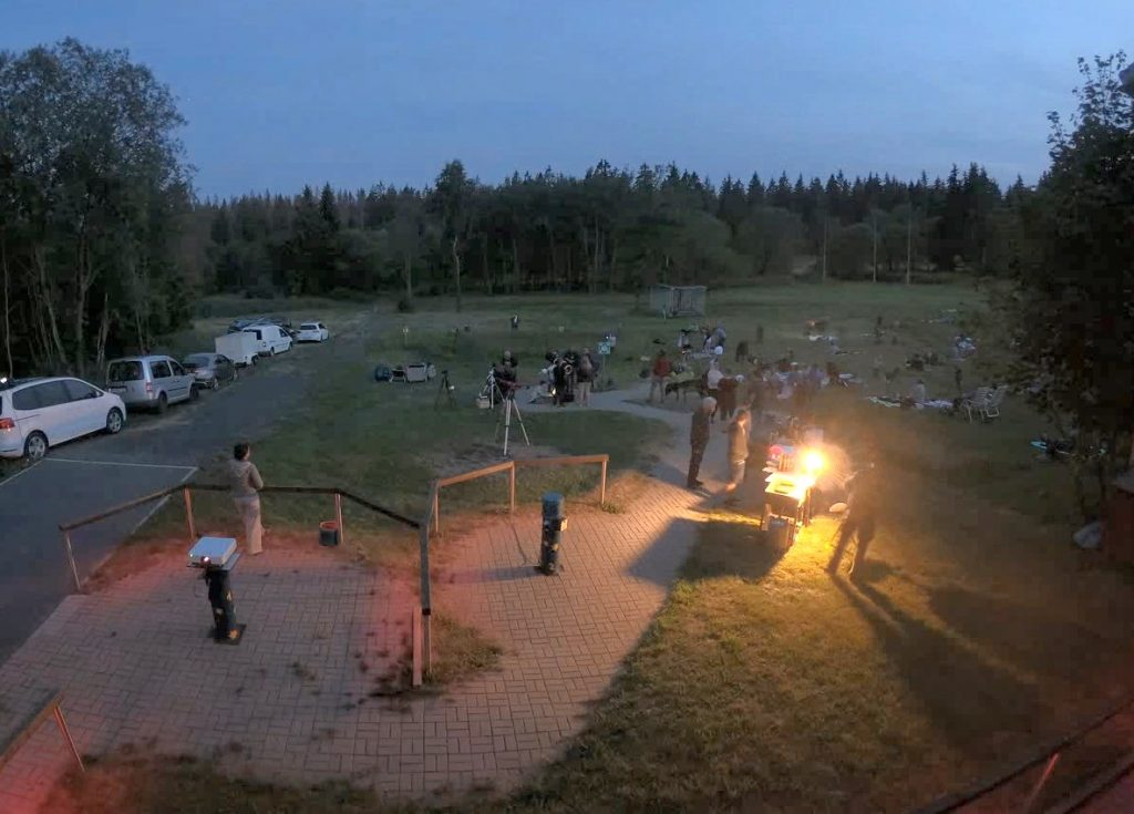 Außengelände der Sternwarte bei Sternschnuppenschauer
